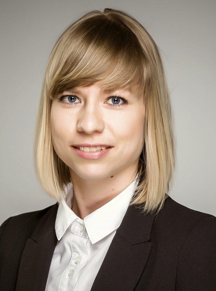 formal_adriana-laszewska_fotor_fotor